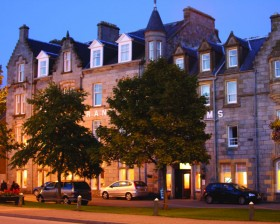 Grant Arms Hotel at sunset