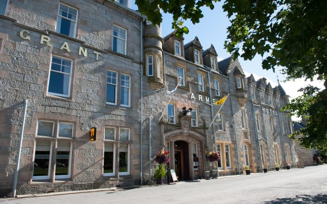 Grant Arms Hotel front